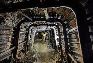 Obr. 09 Jako hornická výztuž ražené štoly byly použity LB rámy a pažení z pažnic UNION