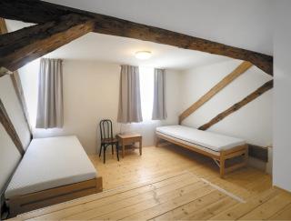 Interiér pokoje v podkroví, nový stav