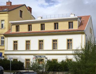Budova farního úřadu po renovaci