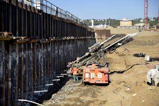 Kotvení štětové stěny na jižní strany stavební jámy