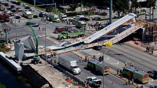 Obr. 05a Lávka v Miami – kolaps ve stavebním stadiu