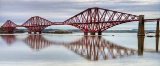 Obr. 10c Most přes záliv Firth of Forth ve Skotsku jako inspirace