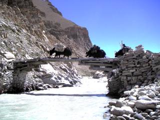 Obr. 10d Ukázka principu konzolového mostu z Tibetu