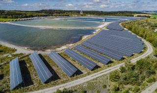 Obr. 12 Fotovoltaická elektrárna Rožná