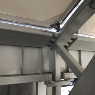 Detail pripojenia žlabu na väzník