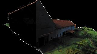 Obr. 4 Mračno bodů – kombinace laserového skenování interiéru a bezpilotní fotogrammetrie exteriéru (RGB výstup)