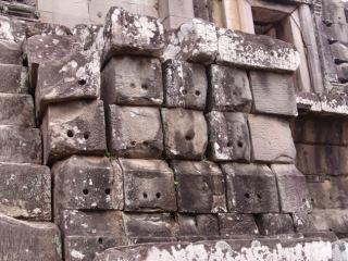 Obr. 4a Příklady spárořezu zdiva chrámových zdí – sloupcový (zdroj: archiv autora)
