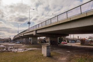 Obr. 02 Pohled na stávající most před demolicí