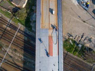 Obr. 27 Brokování ocelové části mostu