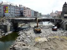 Obr_06_Demolice pvodnho mostu