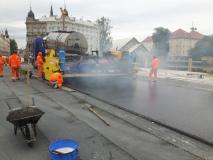 Obr_13_Pokládka litého asfaltu