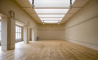 Obr. 15 Pohled do jednoho ze sálů muzea – stav po obnovení malířské výzdoby