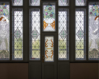 Obr. 17 Zrestaurovaná vitrážová okna