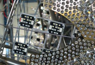 Obr. 02 Detail LED modulů a krytí šupinami