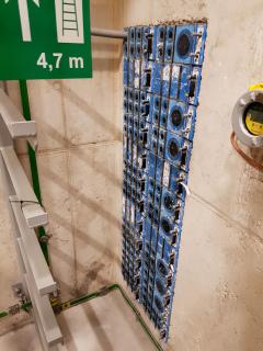 Sestava ucpávek v protipožární/prot1povodňové příčce