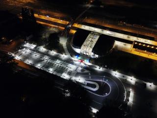 Noční osvětlení přednádraží