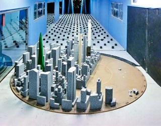 Obr. 13 Zkoušky věže ve větrném tunelu společnosti RWDI (zdroj: SHoP Architects)