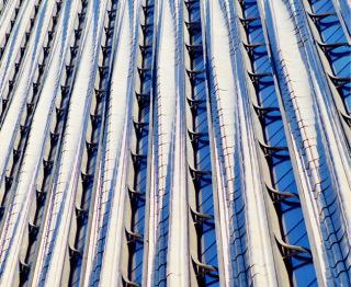 Obr. 20 Tvarová proměnnost lizén terakotové fasády (zdroj: Michael Young)