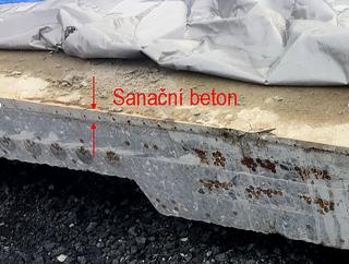 Obr. 14 Sanační beton v desce nad předpínacími kabely