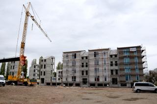 Obr. 1 Brno – Heršpice – čtyřpatrové bytové domy