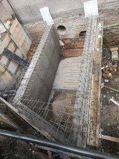 Obr. 06 Konstrukce železobetonové části přeložky kolektoru u budovy A pod lávkou SO01