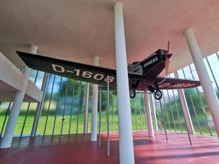 Maketa letadla Junkers F13 – jediný exponát v památníku