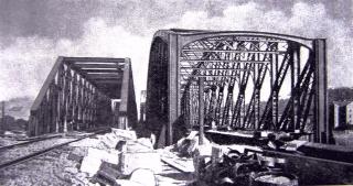 Přemostění z roku 1871 (vlevo) před provedením výměny v roce 1901