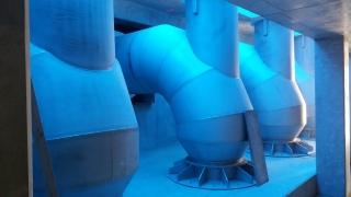 Obr. 7 Potrubí v objektu povodňové čerpací stanice