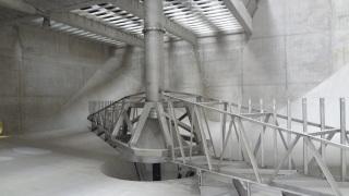 Obr. 2 Stírací most v nádrži Densadeg