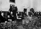 Slavnostní promoce prezidenta Dr. Edvarda Beneše v aule české techniky (1937)