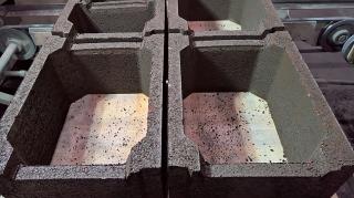 Obr. 07 Vzhled ztraceného bednění z cihelného recyklátu