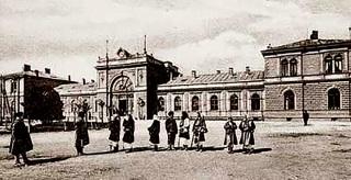 Hlavní nádraží v Sofii, 1888–1890, navrhl Kolář vespolupráci sesvým krajanem Proskem