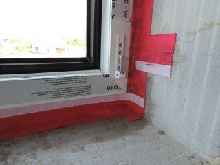 016 Správné zalepení rohu okna ochrannými foliemi 1