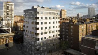 Obr. 4 Obytná budova Graphite Apartments v Londýně