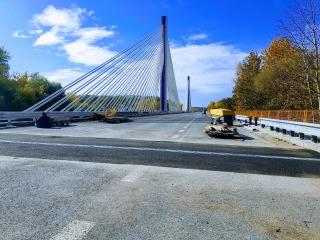 14 Dokonen mont litho asfaltu u mostno dilatanho zvru
